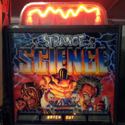restauration flipper bally strange science
